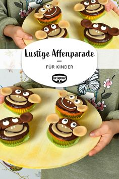 Funny monkey parade for children: chocolate muffins with monkey faces made of marzipan muffins muffins healthy healthy kids healthymuffins recipes herzhaft kinder kindergeburtstag rezept rezept einfach Marzipan, Kinder Party Snacks, Bear Cookies, Food Carving, Easy Cake Decorating, Cookie Do, Sausage And Egg, Baking With Kids, Chocolate Muffins