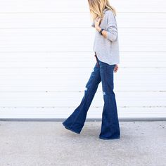 """On the blog today >>10 Best of The Best Ways To Wear Basic Flare Blue Jeans For Fall/Winter<< check it out here www.aroundtownbabe.com/blog//flare-jean-…"""