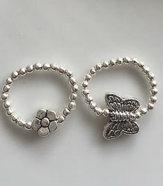 x2 Pretty Silver Plated Bead Daisy Flower Butterfly Elastic Stretch Toe Rings