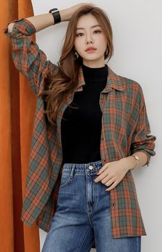 awesome ideas to keep up with the flannel trend 165 Korean Girl Fashion, Korean Fashion Trends, Korean Street Fashion, Ulzzang Fashion, Korea Fashion, Look Fashion, Asian Fashion, Fashion Hair, 80s Fashion