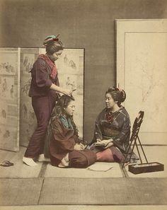 hand coloured albumine print by Felice Beato, Kusakabe Kimbei or Raimund baron von Stillfried. Japan, around 1880.