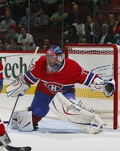 Yann Danis n'a jamais été repêché par une équipe de la LNH. Il a signé une entente avec les Canadiens comme joueur autonome le 19 mars 2004. En 2005-2006, il a disputé six parties avec le Tricolore,  cumulant une fiche de 3 victoires et 2 revers. Danis a réalisé  l'exploit de réussir un jeu blanc dès son premier match dans la LNH, accomplissant ce fait d'armes le 12 octobre 2005 contre les Thrashers à Atlanta dans un gain de 3 à 0. Montreal Canadiens, Nhl, Atlanta, Hockey Players, 19 Mars, Baseball Cards, History, Sports, Goalie Mask