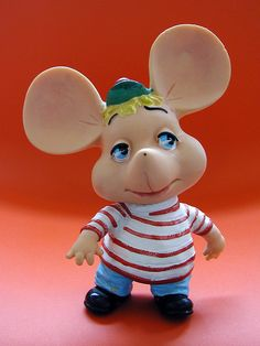 Vintage Vinyl Topo Gigio Toy ~ I remember watching the Ed Sullivan Show. We loved seeing Topo Gigio, he was the best! My Childhood Memories, Childhood Toys, Sweet Memories, Gi Joe, Old Tv Shows, I Remember When, Little Doll, Vinyl Toys, Retro Toys