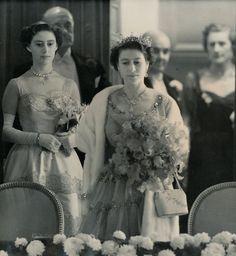 Queen Elizabeth II, Princess Margaret Countess of Snowdon Princess Elizabeth, Queen Elizabeth Ii, Royal Princess, Princess Diana, Windsor, British Monarchy History, Margaret Rose, Estilo Real, Duchess Of York