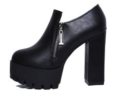 - Stylish rugged platform heel boots for any casual night out or adventure on the town - Side zipper for style and easy access - 13.5 cm heel - 7 cm platform - Made from PU - Available in 3 colors