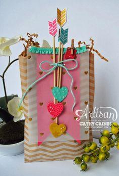 Interesting gift bag!!! Bebe'!!! Love the arrows!!!