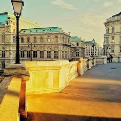 Good evening 🌟🌟 Always inspired by the glorious imperial architecture of Vienna. View from the Albertina Museum to the Vienna State Opera 🌟 . Amazing Photos, Cool Photos, Vienna State Opera, Best Instagram Photos, Vienna Austria, Foto Bts, Top Photo, Top View, Places