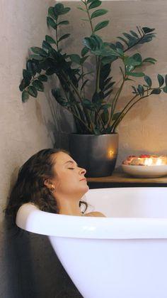 Savon biologique vegan saponifié à froid Organic Cocoon Cinematic Photography, Fashion Photography, Funny Poses, Bath Bomb Gift Sets, Magic Hair, Organic Soap, Biologique, Teaser, Videos