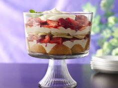 Strawberry Cream Cheese Trifle