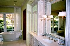 Google Image Result for http://www.newamericanhomes.com/bathroom.jpg