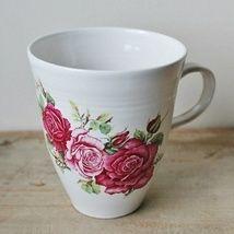 Cup with roses. http://epla.no/shops/kunstverk_kathrine_elverum/