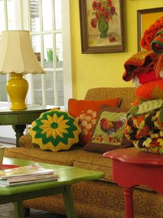 Colorful granny chic living room. I kinda like it!