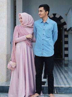 Hijab Gown, Hijab Dress Party, Hijab Style Dress, Casual Hijab Outfit, Dress Brukat, Kebaya Dress, Dress Outfits, Batik Fashion, Abaya Fashion