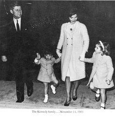 John F. Kennedy, John F. Kennedy Jr, Jackie Kennedy & Caroline Kennedy