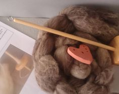 British Drop spindle wool spinning kit 50g - Variegated shetland - chemical free - spin your own gloves -  natural craft kit