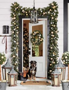 Outdoor Christmas decorations are a beautiful way to 'up' your Christmas decorating game. Christmas wreaths, planters and garland are go-to Christmas decor for Christmas doorscapes. In this post you'l Front Door Christmas Decorations, Elegant Christmas Decor, Christmas Front Doors, Classy Christmas, Beautiful Christmas, Christmas Design, White Christmas, Snowman Decorations, Christmas Garden