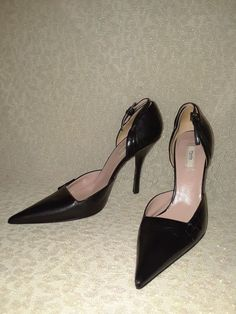 0cd1ecd998 Prada Black Leather pointed toe pumps Size 37.5 ( 7 US ).  fashion