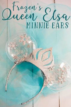 I can't believe it only takes 20 minutes to make these beautiful Frozen Minnie ears! Seriously stunning! Click through to see how to make these Queen Elsa Minnie ears for Disney! #elsaminnieears #elsamickeyears #frozenmickeyears #rufflesandrainboots