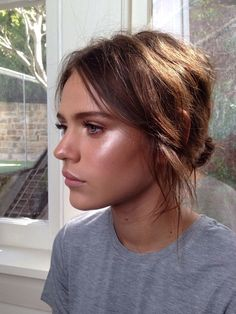 My make up for the day, just glowy and kind of a little 60's vibe...