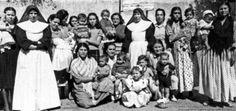 Estudiaban en conventos muy exigentes donde a las niñas, se les permitía acceder a la educación, pero bajo parámetros y modelos diferentes.