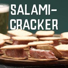 Salami Cracker – Apocalypse Now And Then Best Peanut Butter, Peanut Butter Banana, Salami Recipes, Mini Pancakes, Cookie Pops, Snacks Für Party, Bons Plans, Diy Food, Food Hacks