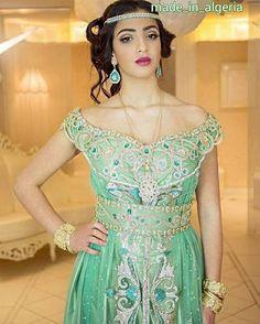 """380 mentions J'aime, 2 commentaires - algeria♡الجزائر♡algerie (@made_in_algeria) sur Instagram: """"#البلوزة_الوهرانية  _ #اللباس_التقليدي_الجزائري  ____________________ #algeria  #algerie  #fashion…"""""""