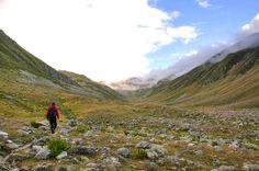Gidiyorum yayladan güz geldi onun için... #tamzaratur #turistgelirkaradenizlidönersin #transkackar #yenitranskackar #zirve #karadenizturu #patika #ayder Hiking, Tours, Mountains, Nature, Travel, Walks, Naturaleza, Viajes, Destinations