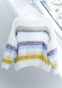 1304: Modell 3 Hvit genser med rundfelling #strikk | Fashion