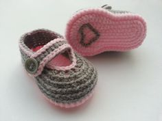 Crochet baby booties baby shoes Valentine day by editaedituke, £5.50