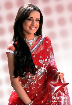 Her smile mesmerizes all. Khushi is mostly seen wearing salwar-kameez, but she looks amazing in a saree too.