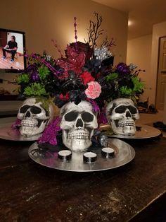 Diá de Muertos inspired halloween skull floral