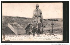 WWI, Verdun; French Colonel near the grave of an unknown soldier. - Delcampe.net