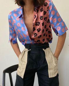 Quesnel Silk Shirt in Sahara Sky/abricot Rose Blue Multi Pink Look Fashion, Retro Fashion, Fashion Outfits, Fashion Design, Fashion Trends, Black 90s Fashion, Crazy Fashion, Colorful Fashion, Early 90s Fashion