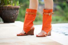 Модель: Швейцария. Яркие цвета тканей, которые мы предлагаем вам на выбор для этой модели, привлекут все внимание именно к вашим ножкам! http://annushka-shoes.com/product/swiss20