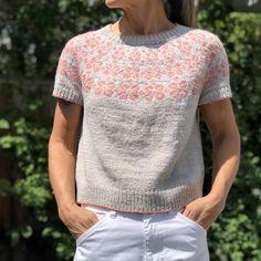 Ravelry: Early Bloomer pattern by Heidi Kirrmaier Fair Isle Knitting, Arm Knitting, Summer Knitting, Brooklyn Tweed, Baby Scarf, Christmas Knitting Patterns, Dk Weight Yarn, Dress Gloves, Yarn Brands