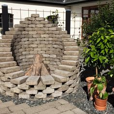 Garden life / fireplace Garden life / fireplace The post Garden life / fireplace appeared first on Outdoor Diy. Garden Yard Ideas, Backyard Garden Design, Backyard Projects, Outdoor Projects, Garden Pots, Garden Fire Pit, Fire Pit Backyard, Backyard Patio, Backyard Landscaping