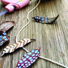 Painted Leaf Garland, fun way to involve the kids in Thanksgiving decorations ?