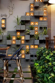 A Concrete Block Planter Wall Was Used To Add Greenery To This Restaurant - Modern Terrace Design, Cafe Design, Garden Design, House Design, Design Dintérieur, Concrete Block Walls, Cinder Block Walls, Cinder Block Garden, Restaurant Interior Design