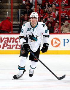 San Jose Sharks forward Tye McGinn (Nov. 16, 2014).
