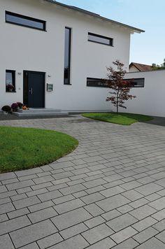 Heim Galabau   Moderne Gartengestaltung Am Hang   Garageneinfahrt    Pinterest   Galabau, Garageneinfahrt Und Heim