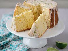Découvrez la recette Chiffon cake au citron sur cuisineactuelle.fr.