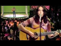 Joan Baez -- The Night They Drove Old Dixie Down -  from the Midnight Special (1973)