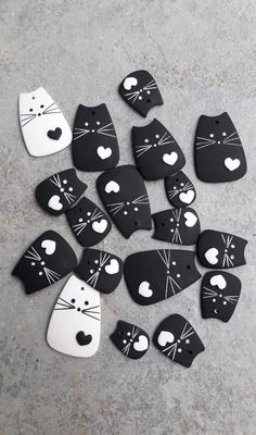 Photo of clay cats for example The post Photo of clay cats for example hand . - Photo of clay cats for example The post Photo of clay cats for example craft ideas appeared first o - Polymer Clay Projects, Diy Clay, Polymer Clay Jewelry, Clay Earrings, Polymer Clay Ornaments, Polymer Clay Christmas, Cat Crafts, Rock Crafts, Arts And Crafts