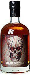 Wenn ihr den Herren der Schöpfung am berühmten Vatertag mal so richtig einheizen wollt, dann ist dieser Chili Wodka mit 250.000 Scovilles genau das Richtige. Chili ist ja sehr gesund und vertreibt … Whiskey Bottle, Chili, Man Gifts, Cool Presents, Vodka, Father's Day, Healthy, Chile, Chilis