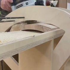 Wood Shop Projects, Diy Furniture Plans Wood Projects, Woodworking Projects Diy, Woodworking Furniture, Easy Projects, Router Woodworking, Woodworking Techniques, Woodworking Videos, Woodworking Tools