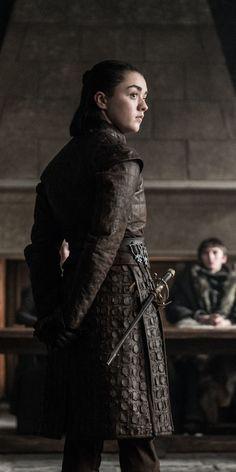 Arya Stark Actress Game Of Thrones Arya Stark Blind, Arya Stark Art, Sansa Stark, Game Of Thrones Arya, Game Of Thrones Costumes, Stark Wallpaper, Arya Stark Season 1, Arya Stark Aesthetic, Brust Tattoo