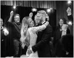 Bröllopsfotograf Göteborg, Wedding portraits Gothenburg, Sweden #sparklers #tomtebloss #1stdance #förstadansen #citywedding #wedding #portraits #bröllopsporträtt #classic #stylish #bröllopsporträtt #brudpar #bröllop #bröllopsdag #moments #weddingday #modern #annalauridsen #kullafoto #bröllopsfotograf #göteborg #bryllup #bryllupsfotograf #bröllopsfotografgöteborg #hotelpost  [Photo by Anna Lauridsen Kullafoto]