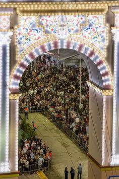 Feria de Abril. Detalle de la puerta de la Feria de Abril 2015.Sevilla
