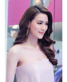 Female Fashion, Women's Fashion, Kimberly Ann, Beyond Beauty, Thai Drama, Woman Style, Cool Hair Color, Beautiful Asian Girls, Dress Collection
