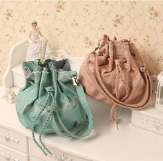 Retro Style Tied Design and Embroidery Embellished One-Shoulder Bag